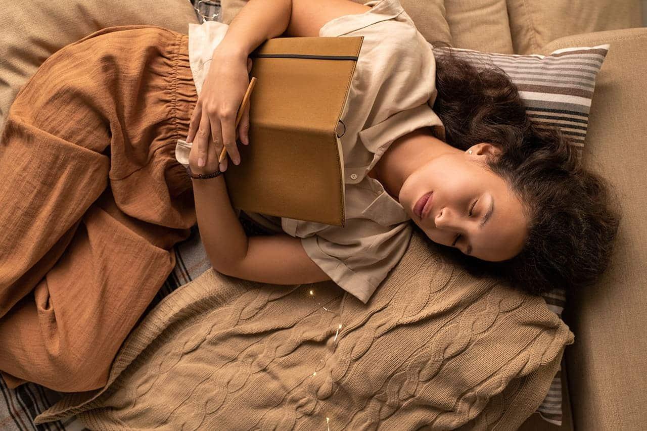 Jak spać aby się dobrze wyspać. 10 ważnych wskazówek